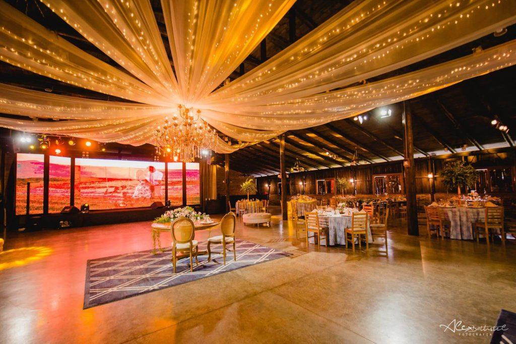 Salão decorado para casamento na Celebrar Casa de Eventos